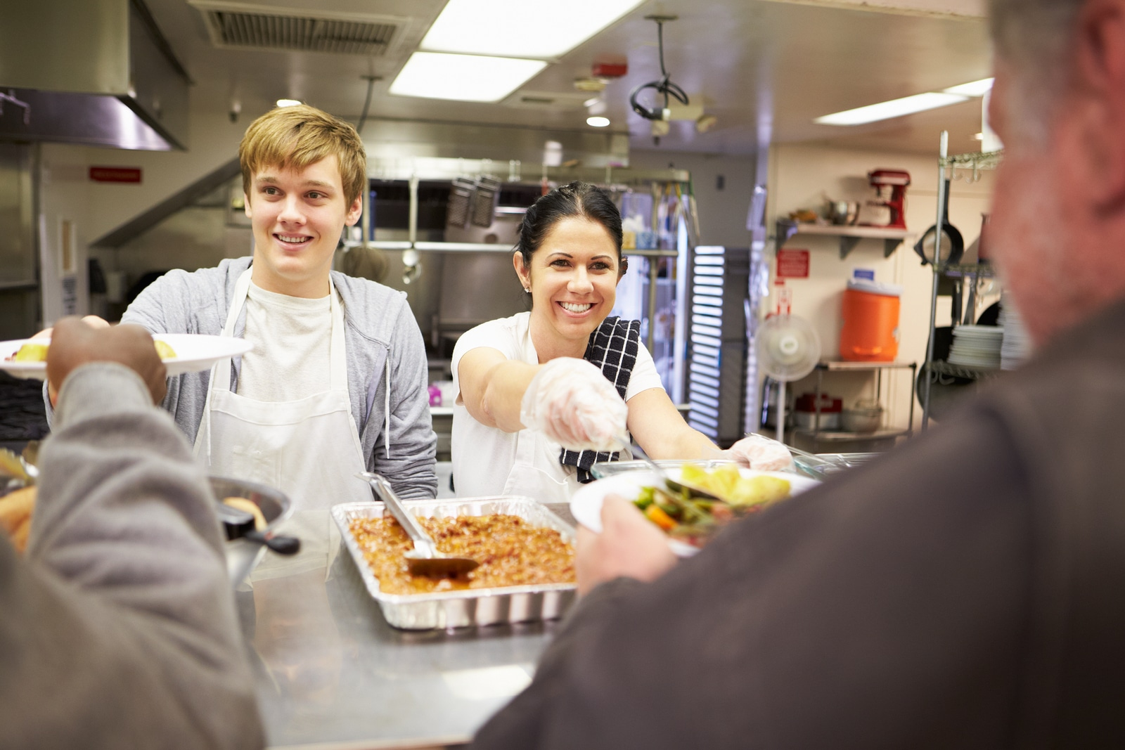 How Serving Others Can Affect Your Personal and Business Life